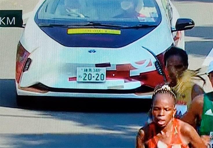 【オリンピック】マラソンの伴走車がカッコいい!ナンバーも話題!TOYOTA(トヨタ)のLQ【画像】